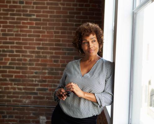businesswoman-window-1030